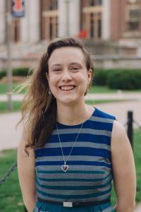 Laura Schultz headshot